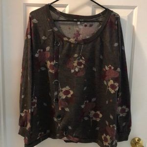 EUC Maurices sweater size 1X great buttons & hem